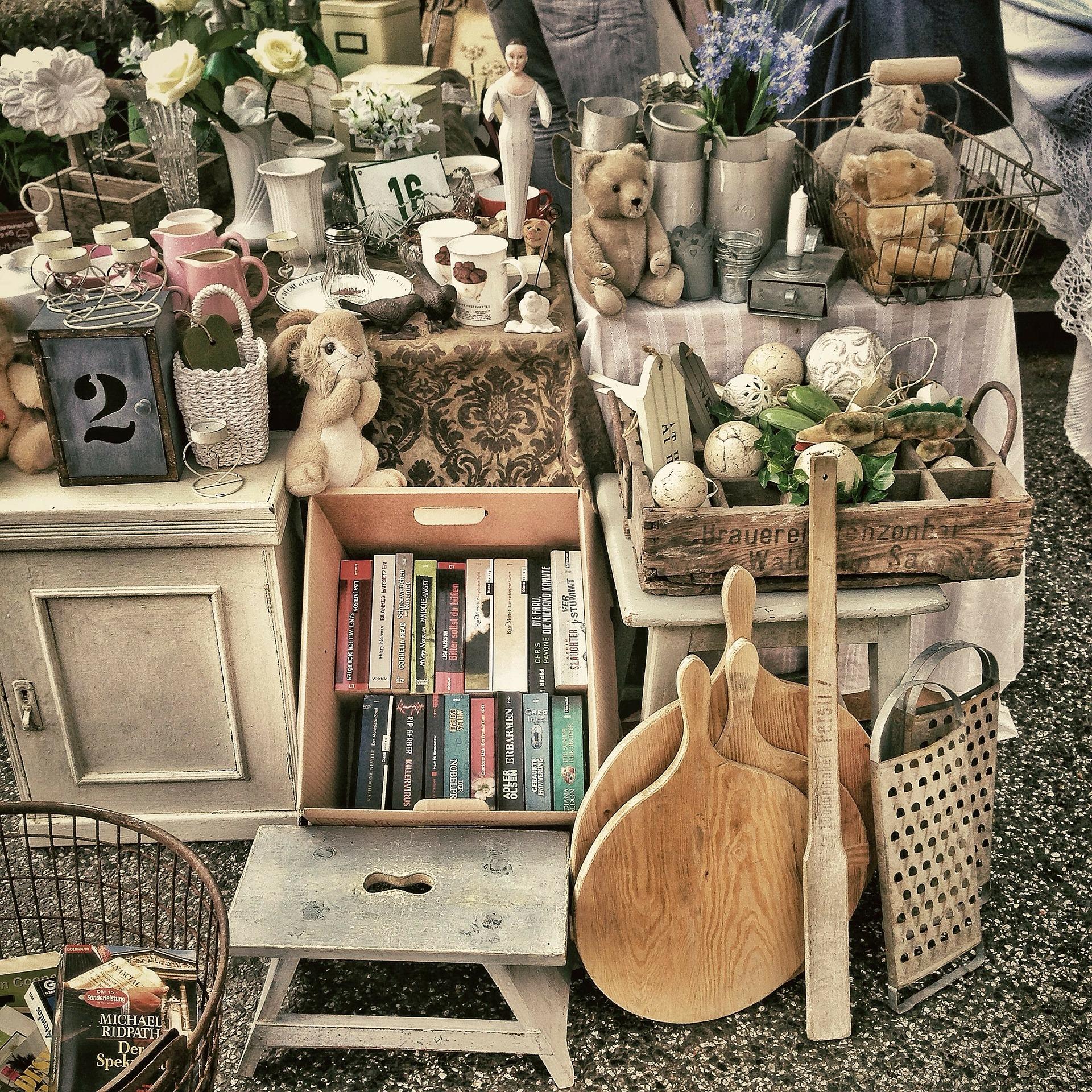 フリーマーケット、商品の陳列画像